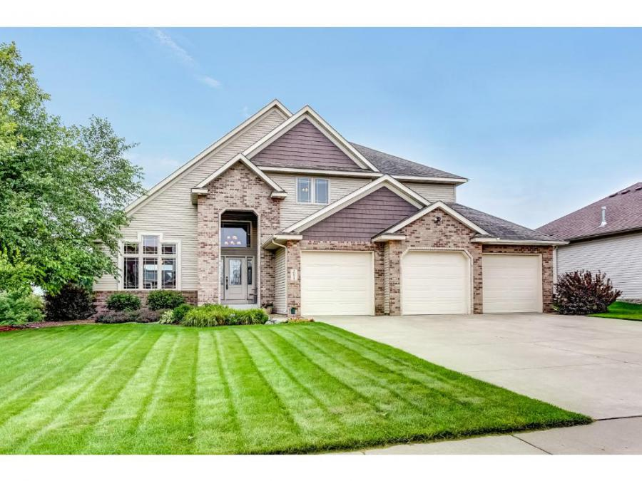 10871 N Jersey Circle, Brooklyn Park in Hennepin County, MN 55445 Home for Sale